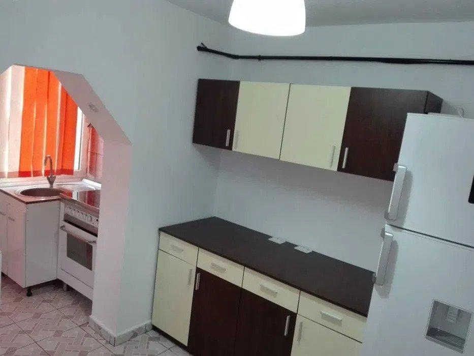 Apartament 2 camere decomandat, Piata Cug