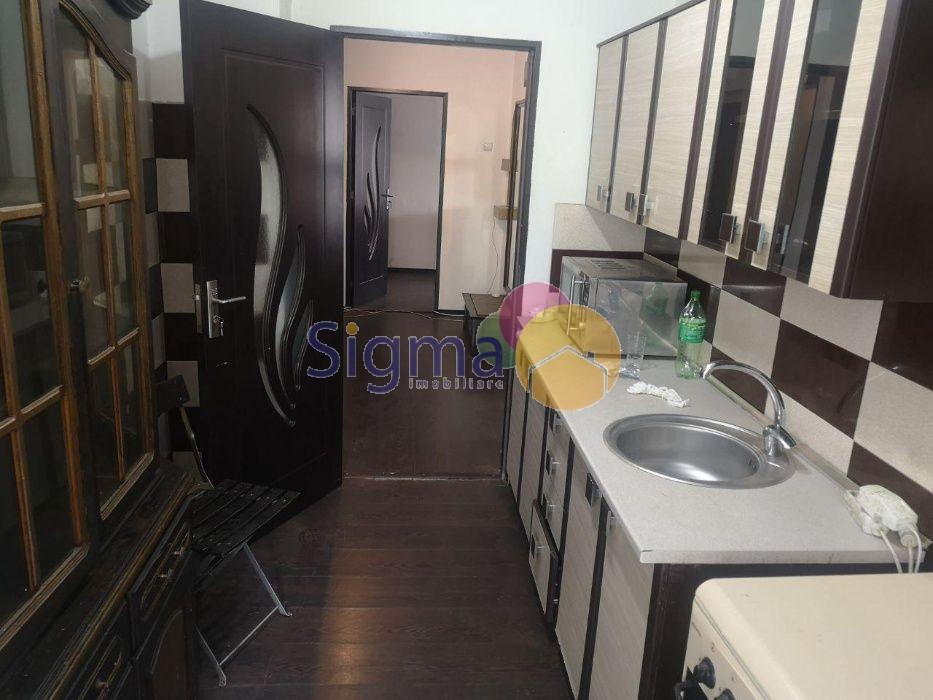 Apartament cu 3 camere de vanzare Centru 70mp utili