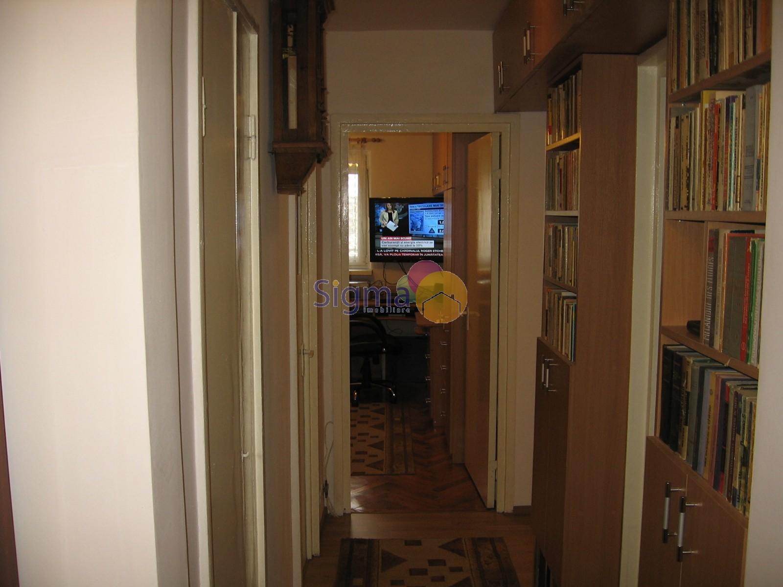 Apartament cu 2 camere de vanzare Centru 42mp utili