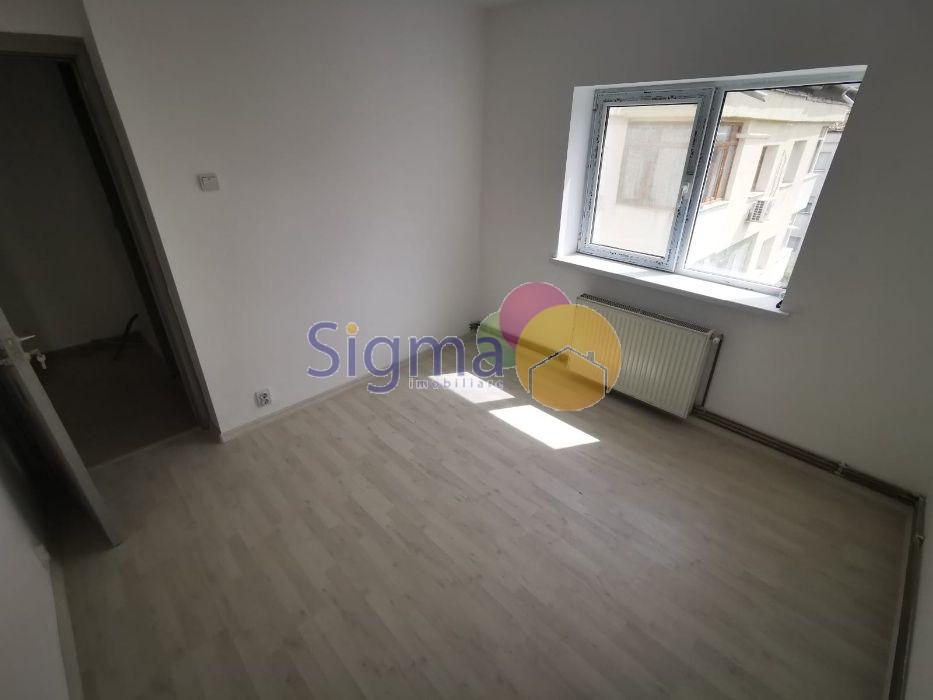 Apartament cu 3 camere de vanzare Pacurari 60mp utili