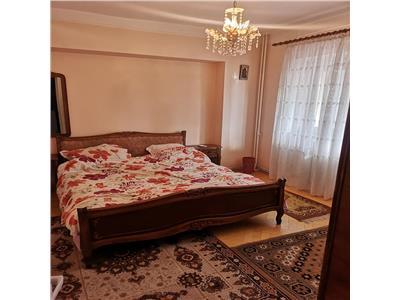 Apartament cu 3 camere de vanzare  Nicolina Prima statie 80mp utili Liber