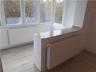 Apartament renovat, 2 camere, Podu Ros